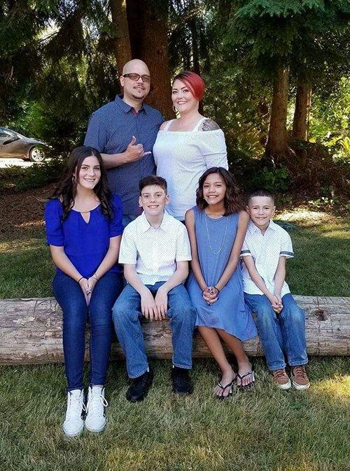 Alex-Akana-family